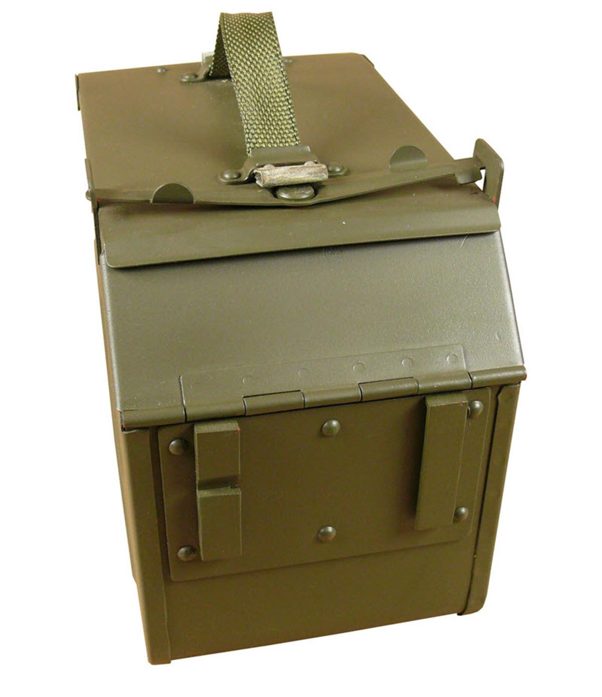 Ящик с электрическими автоматами фото мирового океана