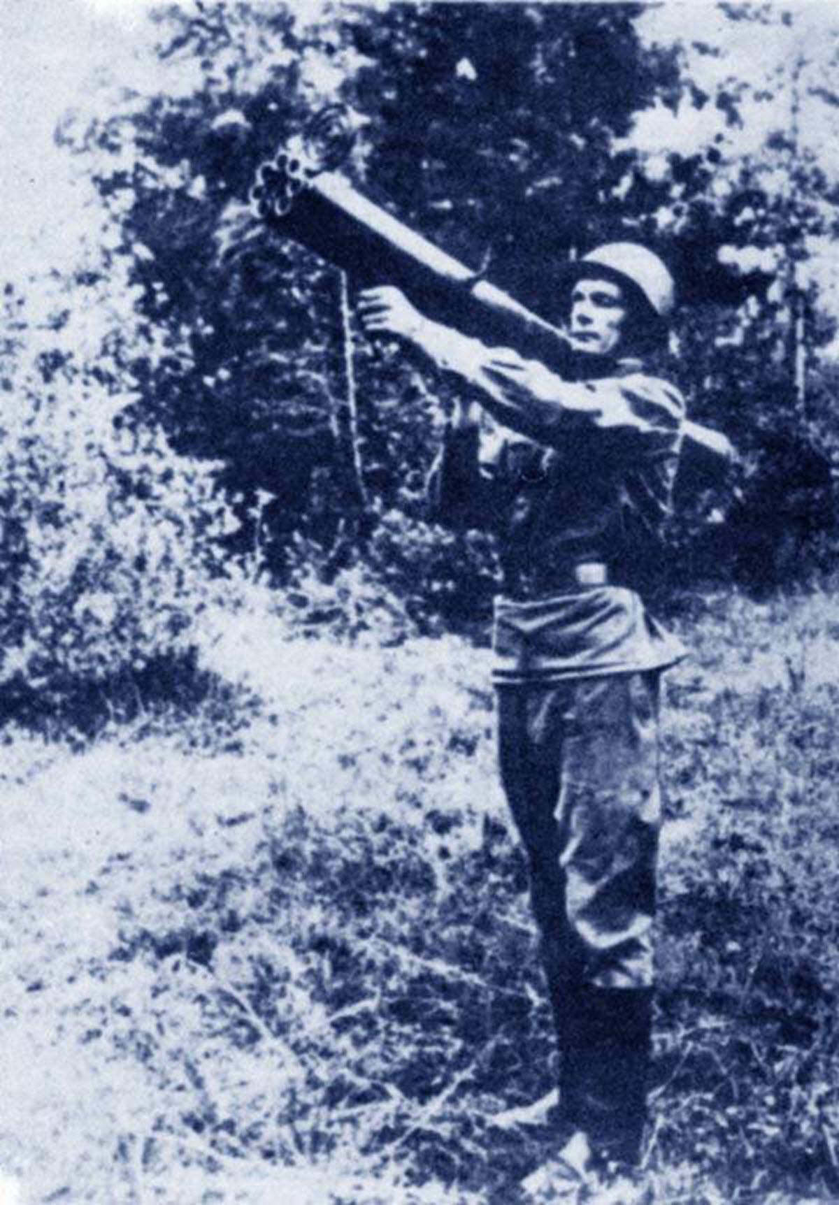 https://war-time.ru/images/blog/strelkovoe-orujie/pzrk/rossiya/kolos/dop/pzrk-kolos.jpg