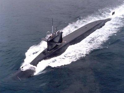Как управлять атомной подводной лодкой